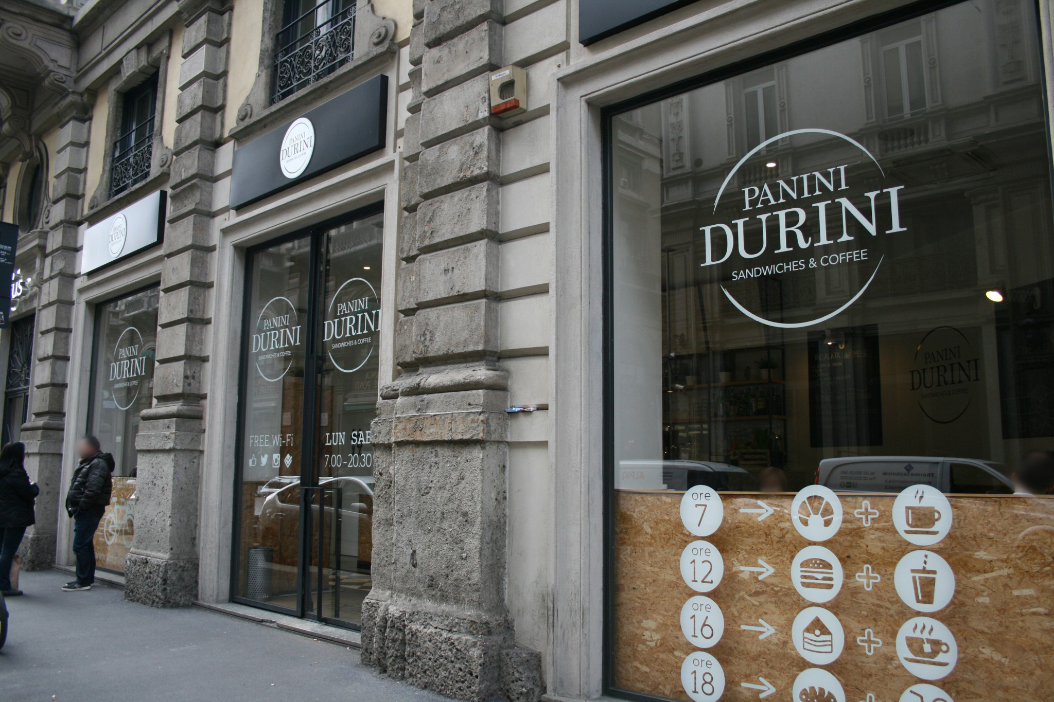 Panini durini via giuseppe mengoni 4 mi icm for Via durini 4 milano